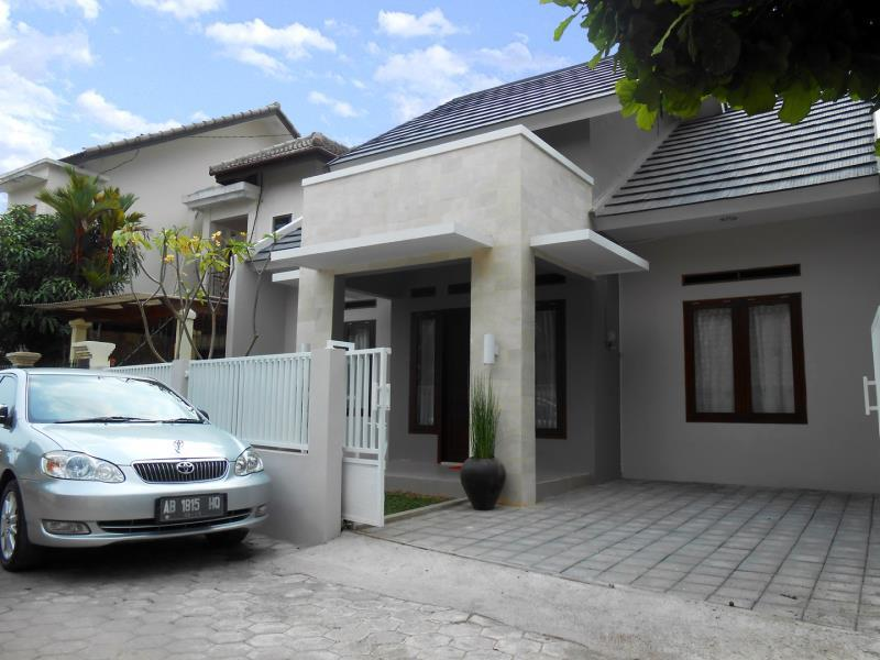 Griya Syandana Homestay - Hotels and Accommodation in Indonesia, Asia