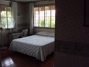 15 Petunia Bed and Breakfast Manila - Maia Suite