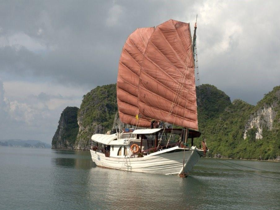Princess Junk - Charter Cruises - Halong