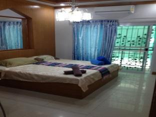 apartment wanida room for rent