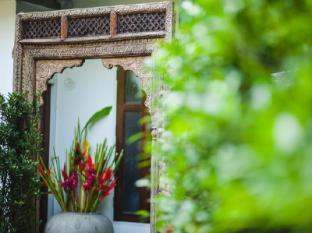at casa guesthouse amphawa