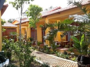 Aroma Spa and Bungalows