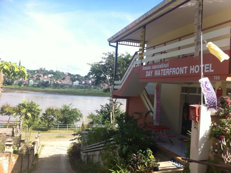 Day Waterfront Hotel. - Chiang Khong