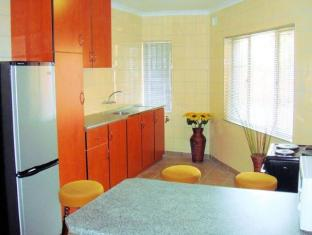Divine Mews Guesthouse Durban - Kitchen Area