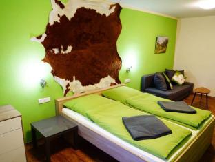 Bavaria City Hostel - Design Hostel Fussen - Mountain Lodge - Double Room with Private Bathroom