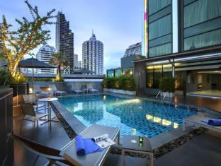 Grand Swiss Sukhumvit 11 by Compass Hospitality Bangkok - Food, drink and entertainment