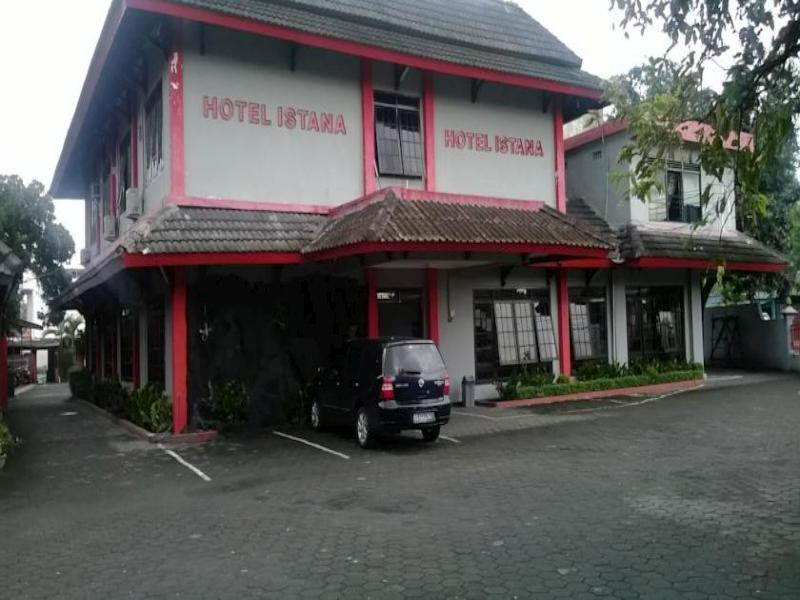 Hotel Istana - Hotels and Accommodation in Indonesia, Asia