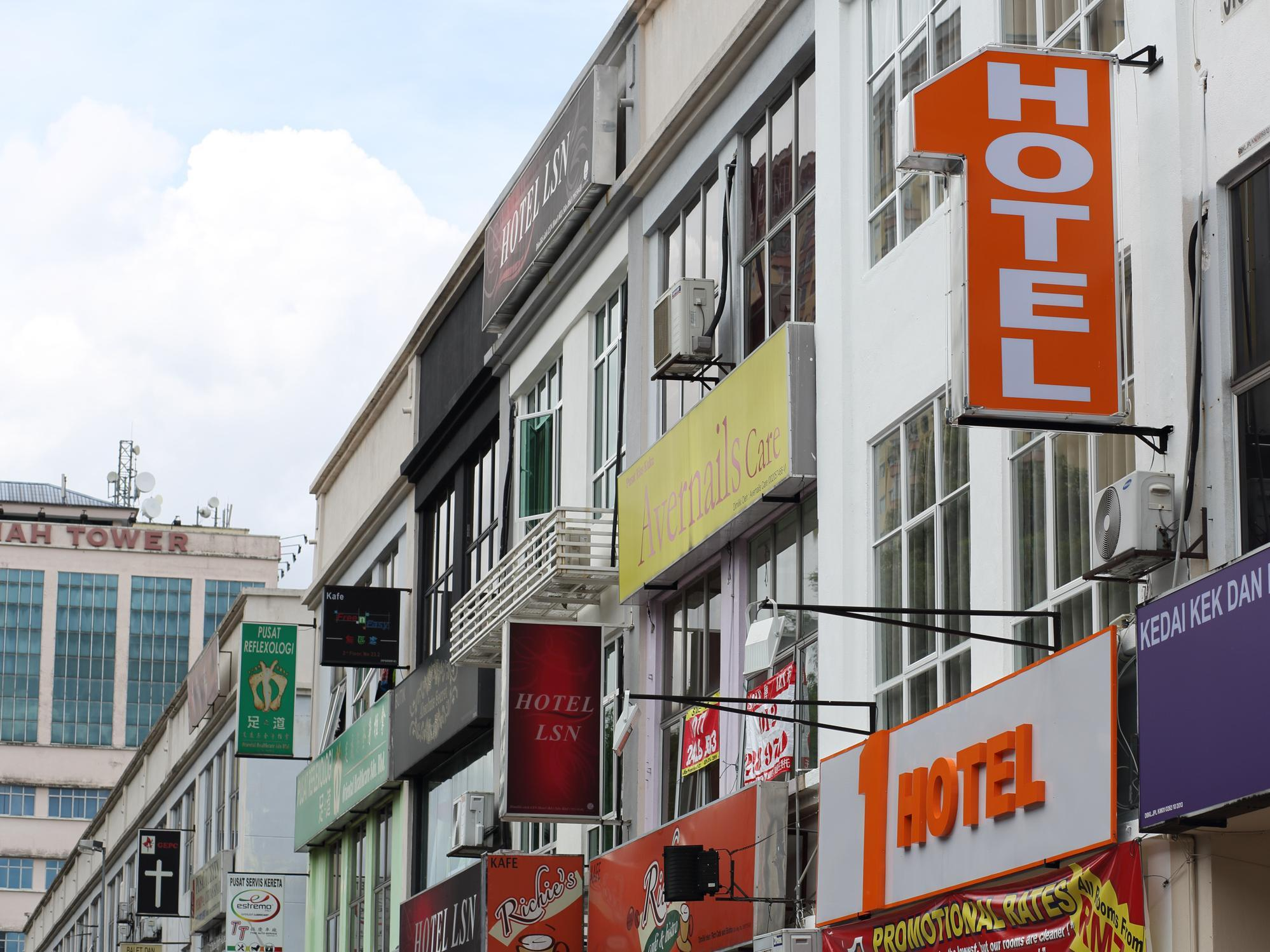1 Hotel Taman Connaught - Hotels and Accommodation in Malaysia, Asia