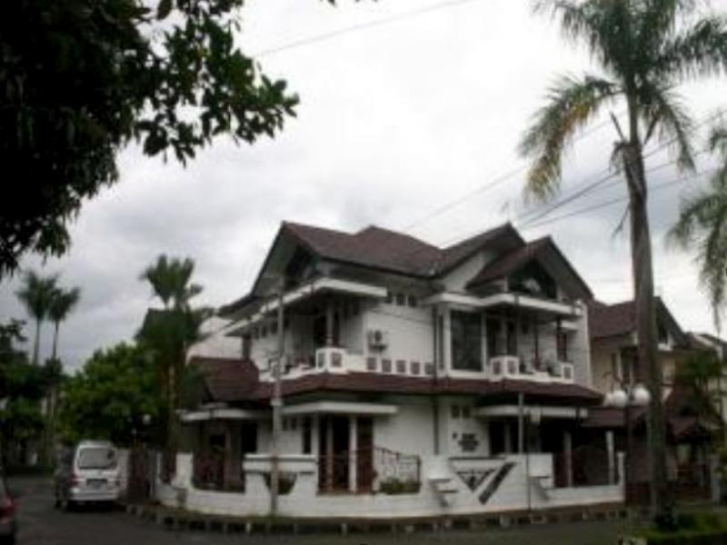 Puri Karunia Guest House 1 - Hotels and Accommodation in Indonesia, Asia
