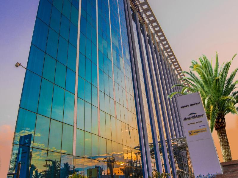 One of our top picks in Bangalore. Featuring an outdoor pool, a spa and wellness center and a fitness center, Howard Johnson Bengaluru Hebbal is located in Bangalore, just a 9-minute walk away from Manyata Embassy Business Park/10().