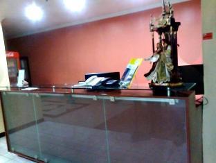 1 Windsoar Hotel
