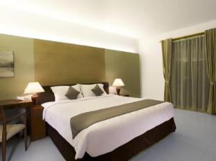 Hotel Neo Green Savana Sentul City