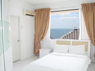 Sea view with en-suite master bedroom
