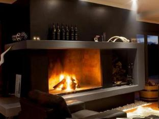 Aaldering Vineyards and Wines Luxury Lodges Stellenbosch - Fireplace in the Lounge