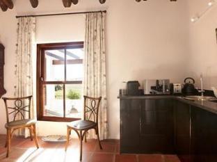 Aaldering Vineyards and Wines Luxury Lodges Stellenbosch - Lounge Area