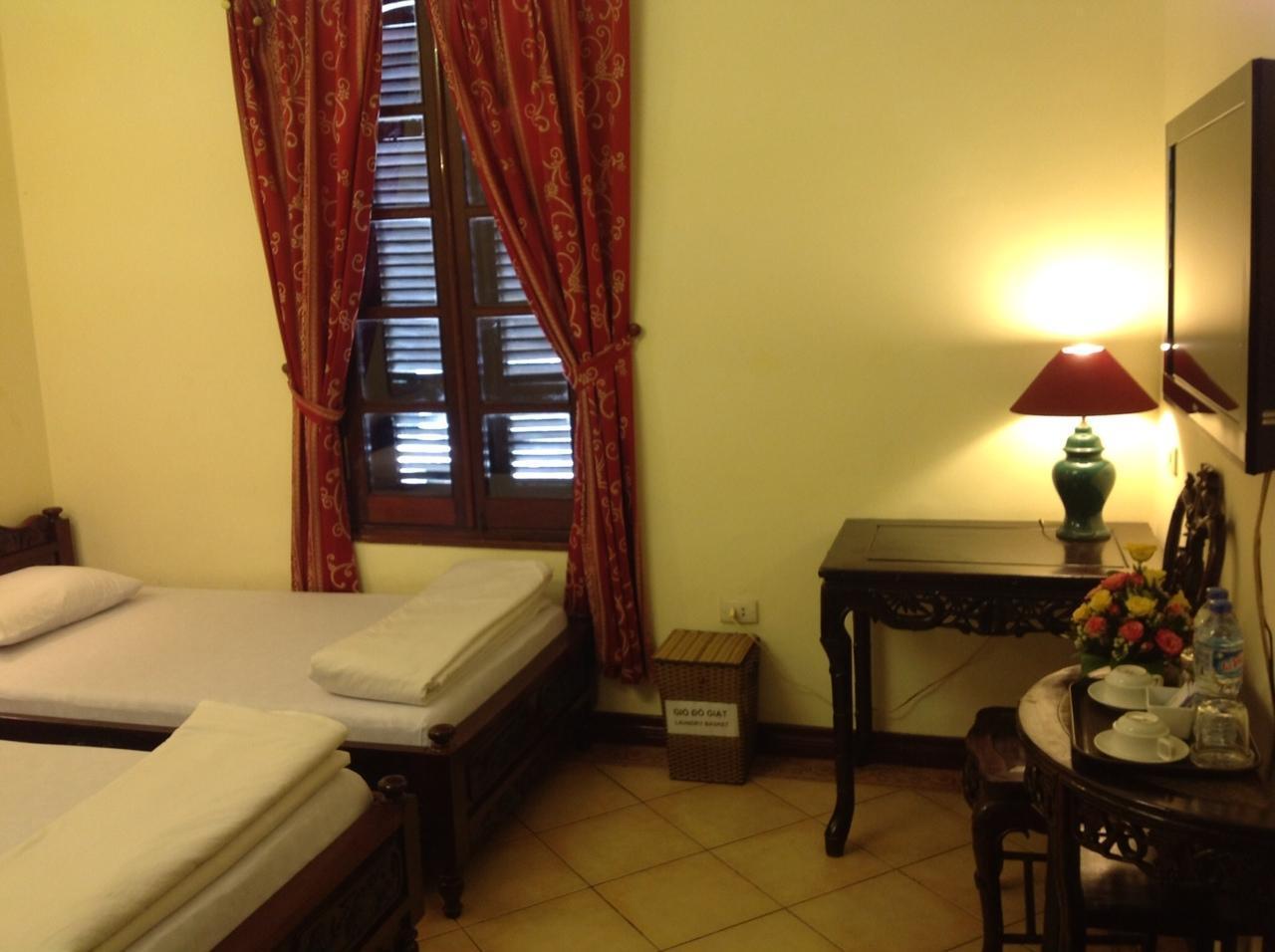 Phong Lan Hotel - Hanoi