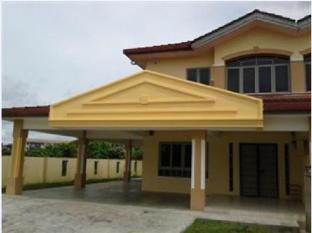 Kuching Arang Road Guesthouse - 1star located at Kuching