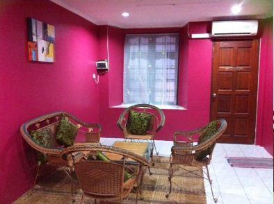 Meow Guesthouse at Taman Sri Wangi Kuching