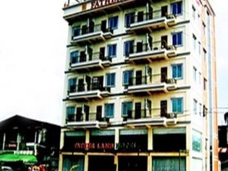 Royal Boss Hotel - Hotels and Accommodation in Myanmar, Asia
