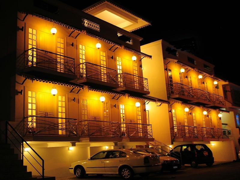 Garden Manor Hotel - Ooty
