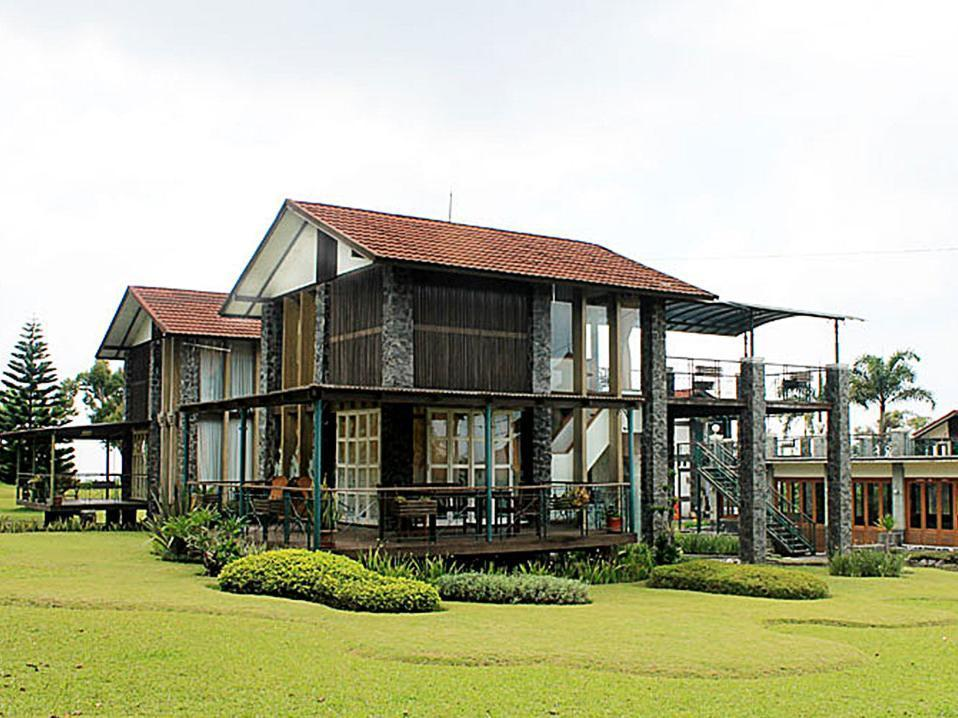 Adelia Villa Lembang - Hotels and Accommodation in Indonesia, Asia