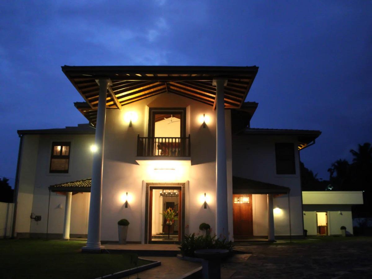 Villa White Queen - Hotels and Accommodation in Sri Lanka, Asia