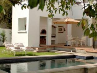 Beauclair Guest Cottage Stellenbosch - Swimming Pool