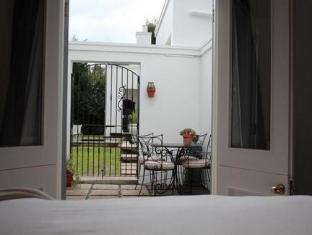 Beauclair Guest Cottage Stellenbosch - Guest Room Balcony Area