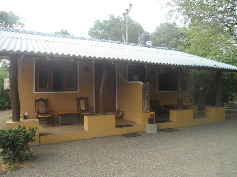 Holiday Cottage - Hotels and Accommodation in Sri Lanka, Asia
