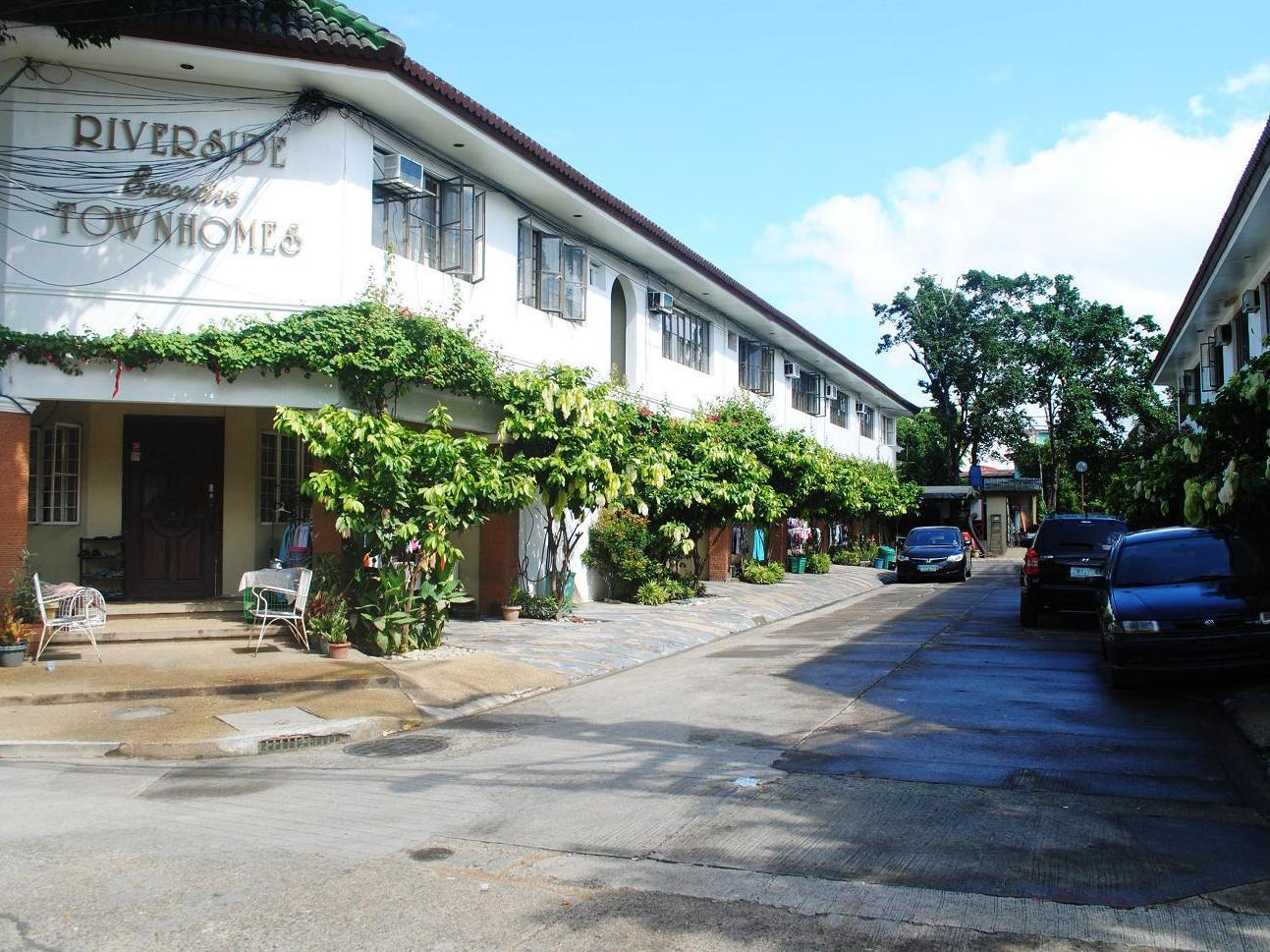 Riverside Executive Townhomes - Hotels and Accommodation in Philippines, Asia
