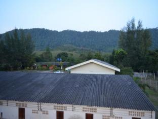 the metallic hostel
