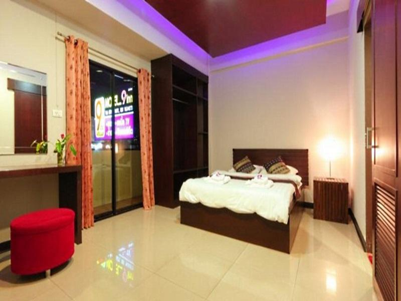 9 Inn @ Phuket Motel פוקט