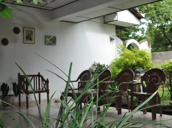 Vikum Lodge and Restaurant - Hotels and Accommodation in Sri Lanka, Asia
