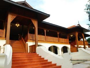 คุ้มขุนวาง รีสอร์ท (Khumkhunwang Resort)