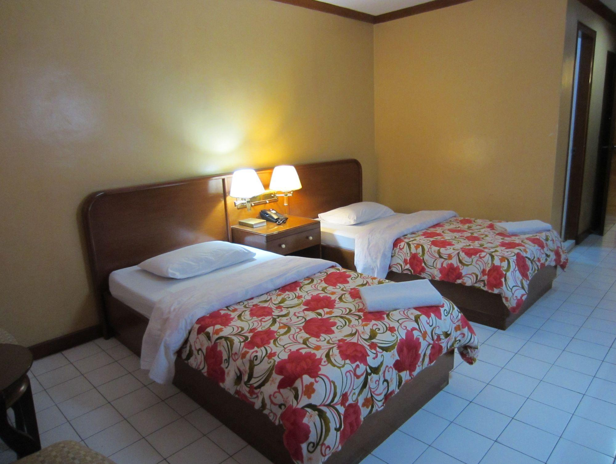 Hotel Soriente - Hotels and Accommodation in Philippines, Asia