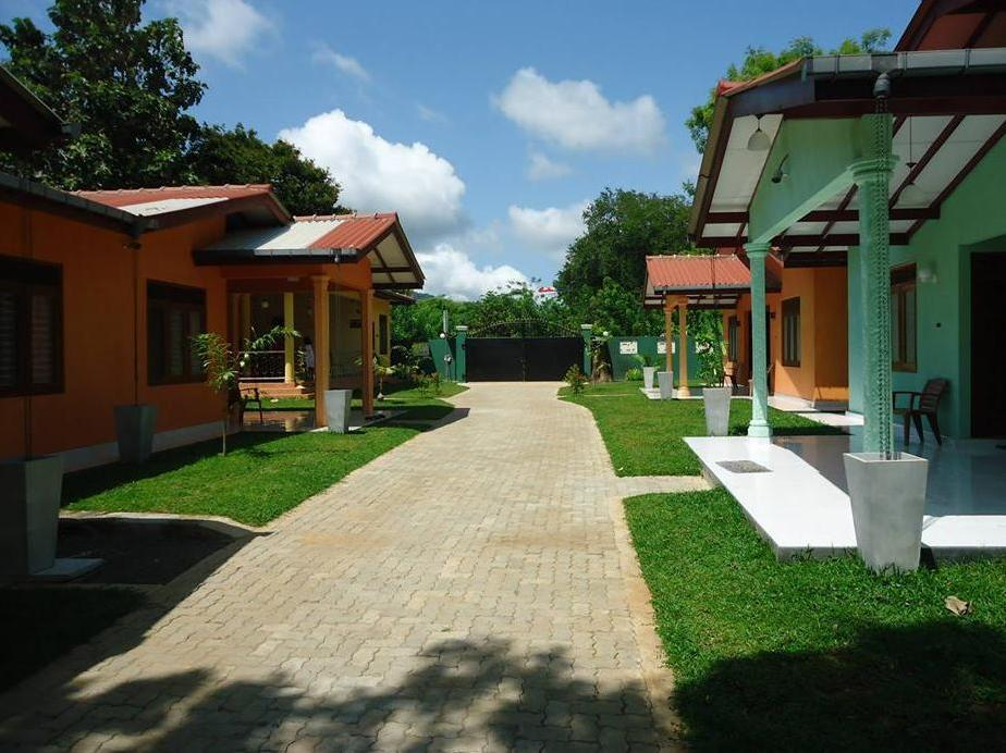 Silverline Holiday Resort - Hotels and Accommodation in Sri Lanka, Asia