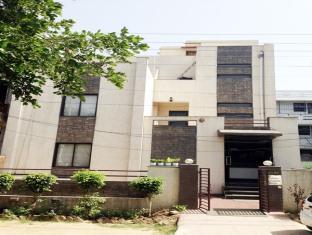 Pacific Inn Gurgaon Sec 41