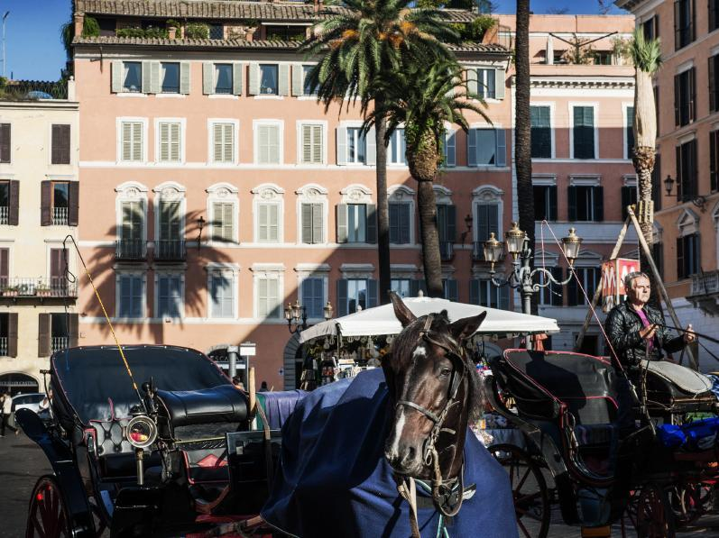 Piazza di Spagna 9 Luxury B&B and Art Gallery