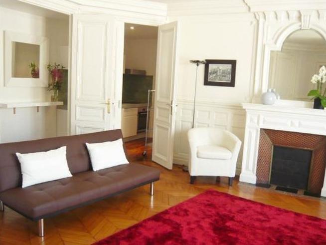 Parisian Home Apartments Louvre-Bourse 2