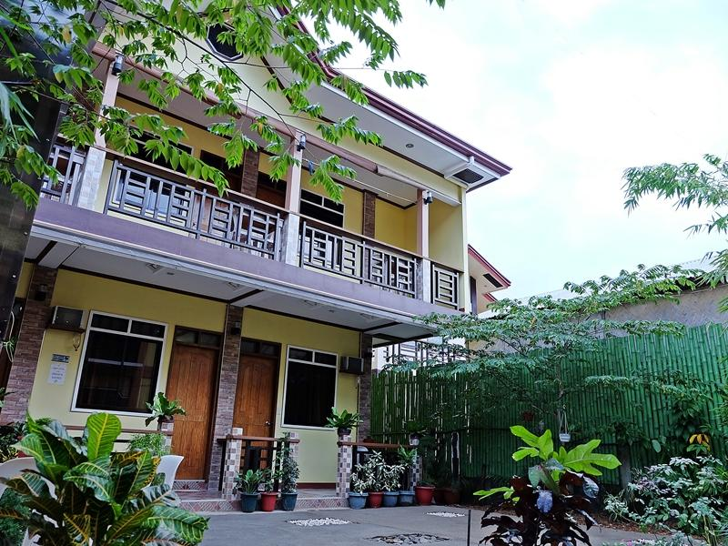 Ricgem Place - Hotels and Accommodation in Philippines, Asia