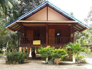 Baan Suan Khum Bun guestroom junior suite