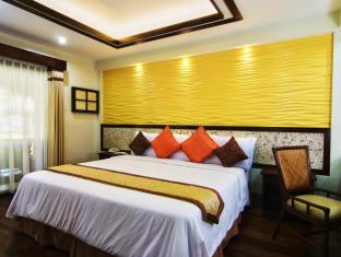 Bohol Beach Club Resort Panglao Island - Beachview Suite with King Size Bed