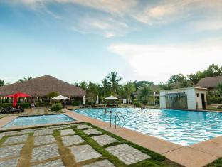 Bohol Beach Club Resort Panglao Island - outdoor pool w/ kids pool