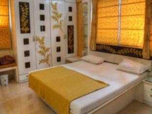 Sri Venkteshwara Hospitality Cosmos Prime Magarpatta Hotel - Pune