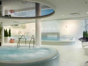 Meriton Grand Tallinn Hotel Таллин - Гидромассажная ванна