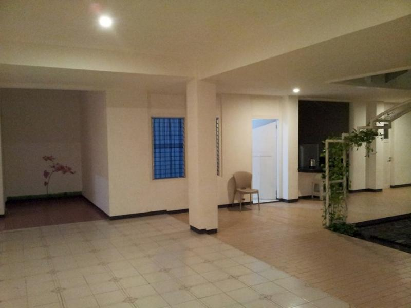 Loxy Inn Surabaya - Hotels and Accommodation in Indonesia, Asia