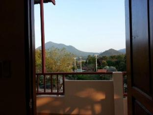 chiangkhan see view guest house