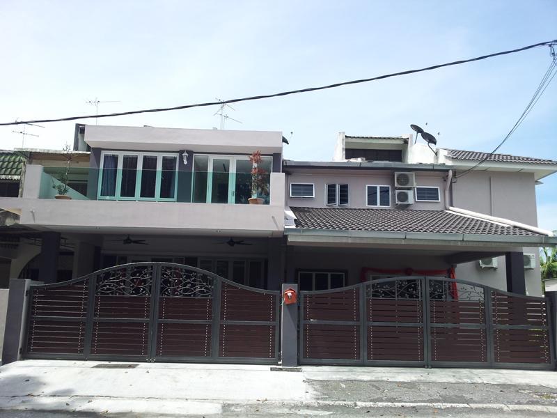 Bercham Vacation House