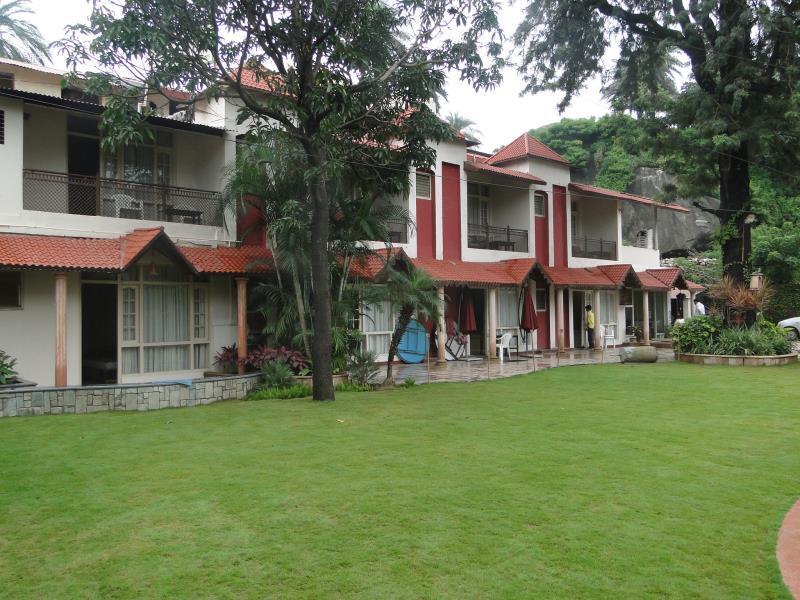 Hotel Silver Oak - Mount Abu