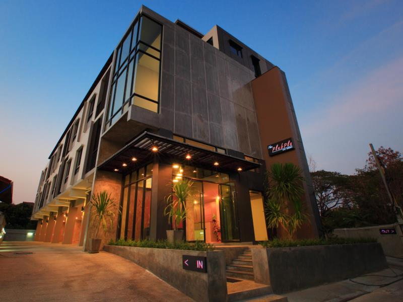 The Plubpla Serviced Apartment - Bangkok